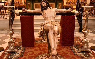 Celebrado en el interior de Santa María Coronada un Vía Crucis con motivo de la Festividad de los Difuntos