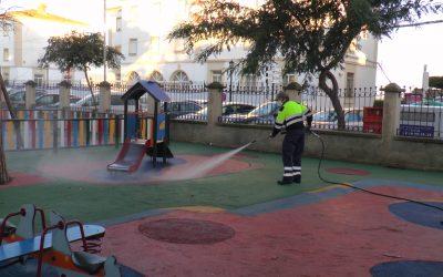 El plan de desinfección se centra en los parques infantiles