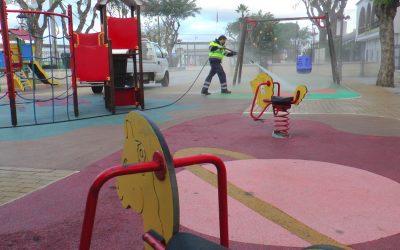 Colegios y parques infantiles, dentro del repaso diario del plan de Limpieza Viaria