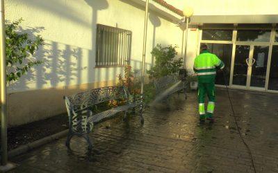 Prosigue la limpieza y desinfección por espacios muy concurridos de todo el municipio