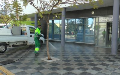 El operativo encargado de la desinfección por el Covid-19 sigue actuando por todo el municipio