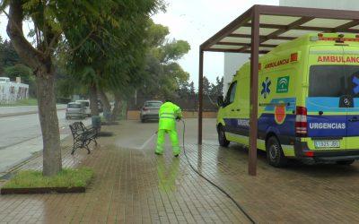 El dispositivo de limpieza y desinfección en todo el municipio está siendo clave en la lucha contra la pandemia