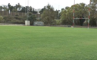 Nuevo césped del campo municipal de rugby de Pueblo Nuevo.
