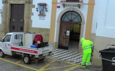 Residencias de mayores y plazas públicas, en el repaso diario del plan de desinfección municipal