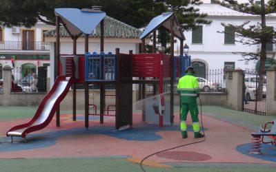 Prosigue la limpieza y desinfección por calles de todo el municipio