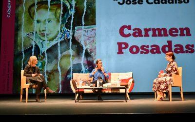 """Carmen Posadas obsequia a San Roque con un brillante reinicio del Aula de Literatura """"José Cadalso"""""""