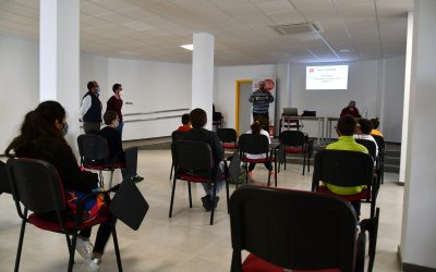 Gran participación de jóvenes en el curso de youtubers de Pueblo Nuevo