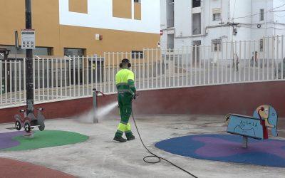 El plan de desinfección repasa los parques infantiles y plazas del municipio