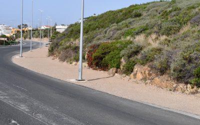 Ampliados aparcamientos en la zona de playa de Torreguadiaro