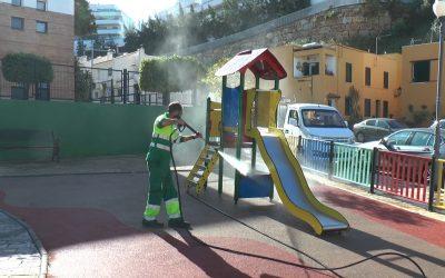 Continúa la limpieza de calles y plazas del municipio, a cargo del plan de desinfección del Ayuntamiento