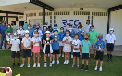 Rafael Correro y Adriana Varo, de La Cañada, triunfan en el torneo del Pequecircuito de golf correspondiente a la Zona C
