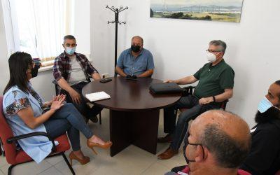 Reunión de Mercedes Serrano con los representantes de los comerciantes de mercadillos