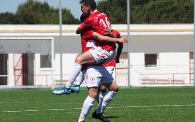 El CD San Roque sumó en Córdoba su segunda victoria consecutiva del curso (1-2) sobre el Ciudad Jardín