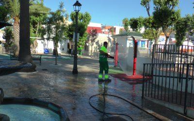 Nuevo repaso a parques infantiles y plazas, a cargo del plan de desinfección municipal