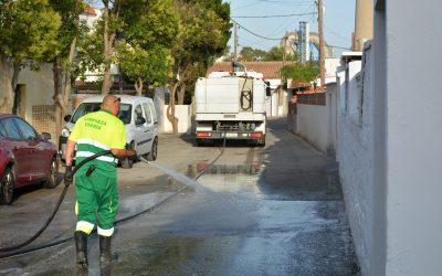 """La campaña """"Cuida San Roque, es tuya"""" se desarrolla esta semana en Guadarranque"""