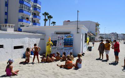 """Niños de Puente aprenden sobre reciclado en la playa con """"Recapacicla"""""""