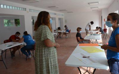 Jóvenes de Puente preparan un mural de Graffiti para las pistas deportivas anexas al colegio