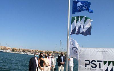 La Bandera Azul vuelve a ondear en el Puerto de Sotogrande