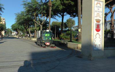 Limpieza y desinfección de espacios públicos en distintos núcleos de población