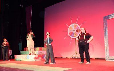 Mucha diversión ayer en la primera obra del Festival San Rotín, a cargo de Acuario Teatro