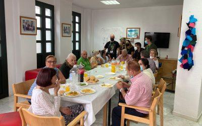 """Almuerzo de despedida a los jóvenes que han llevado a cabo el Programa """"Mejor en compañía"""""""