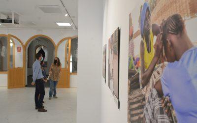 Inaugurada en el Espacio Joven una exposición de fotos realizadas por mujeres de Guinea – Bissau