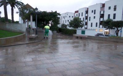 Continúan las tareas de desinfección y limpieza en distintos puntos del municipio