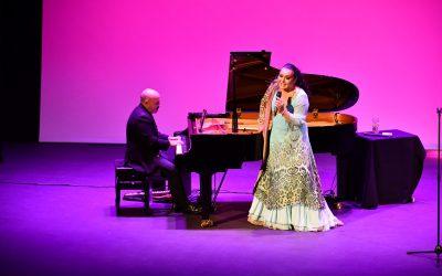 Falete deslumbra al público en el primer concierto por el 25 Aniversario del Teatro Juan Luis Galiardo