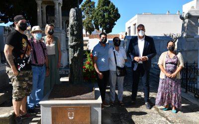 Inaugurada una escultura con motivo del 105 cumpleaños de Ortega Bru