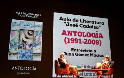 """Presentada la """"Antología"""" de la primera etapa del Aula de Literatura, con una entrevista a Gómez Macías"""