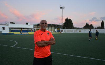 El técnico del Sámber, Pérez Jiménez, afirma que su equipo merece sumar los tres primeros puntos de la temporada
