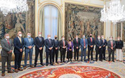 El alcalde pide al ministro Albares que se mantengan las expectativas del Acuerdo de Nochevieja